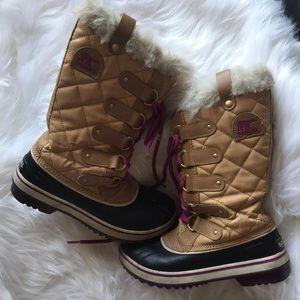 Sorel • Joan of Arc tan fur tall boots 6.5